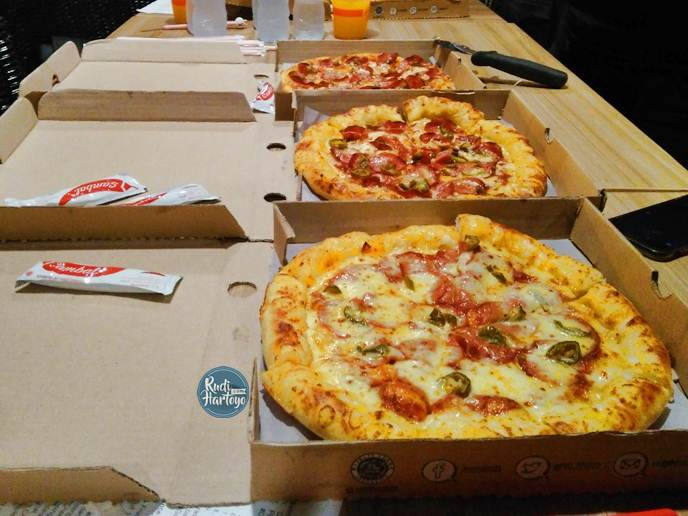 Lezatnya Double Cheesy Bites dan Jalapeno Pizza di PHD Indonesia
