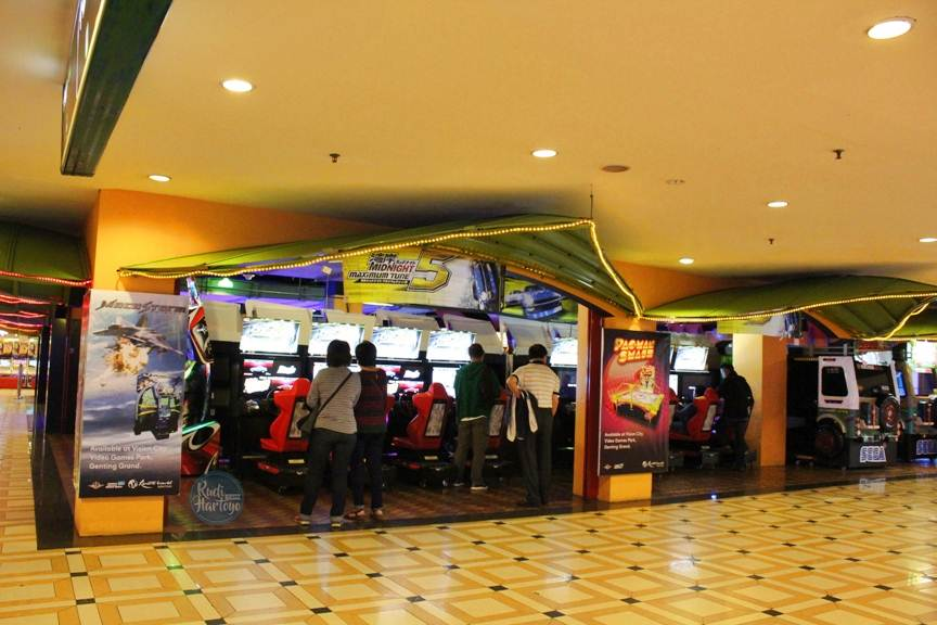 Heboh Bermain di Vision City Video Games
